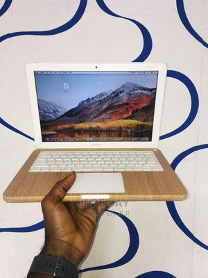 Laptop Apple MacBook 2009 4GB Intel Core 2 Duo HDD 320GB | Laptops & Computers for sale in Lagos State, Oshodi