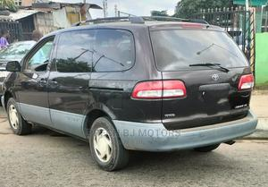 Toyota Sienna 2002 LE Brown   Cars for sale in Lagos State, Ogba