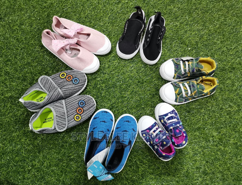 Wholesale Kiddies Sneakers (Carton of 40 Pairs)