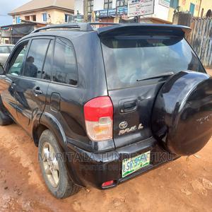 Toyota RAV4 2003 Automatic Black | Cars for sale in Lagos State, Egbe Idimu