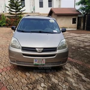 Toyota Sienna 2005 LE AWD Silver | Cars for sale in Enugu State, Enugu