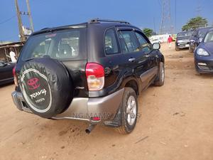 Toyota RAV4 2003 Automatic Black | Cars for sale in Lagos State, Agege
