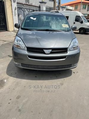 Toyota Sienna 2005 Gray | Cars for sale in Lagos State, Surulere