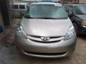 Toyota Sienna 2009 LE Silver | Cars for sale in Lagos State, Isolo
