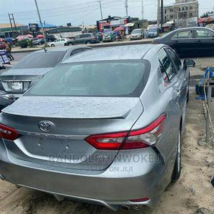 New Toyota Camry 2018 SE FWD (2.5L 4cyl 8AM) Gray | Cars for sale in Lagos State, Lagos Island (Eko)