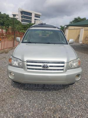 Toyota Highlander 2006 Silver | Cars for sale in Abuja (FCT) State, Gaduwa