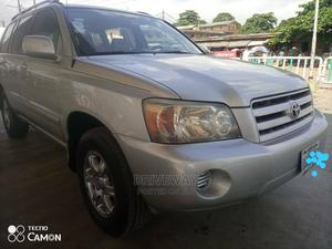 Toyota Highlander 2004 Silver | Cars for sale in Lagos State, Isolo