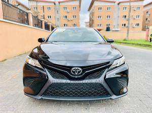 Toyota Camry 2018 SE FWD (2.5L 4cyl 8AM) Black | Cars for sale in Lagos State, Ogba