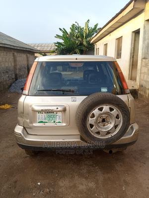 Honda CR-V 2001 2.0 4WD Automatic Gold | Cars for sale in Lagos State, Ifako-Ijaiye