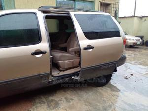 Toyota Sienna 2000 LE & 1 Hatch Gold | Cars for sale in Lagos State, Abule Egba
