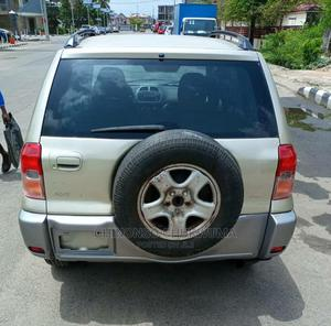 Toyota RAV4 2002 Automatic Gold | Cars for sale in Abuja (FCT) State, Kubwa