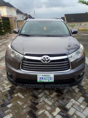 Toyota Highlander 2015 Gray | Cars for sale in Abuja (FCT) State, Apo District