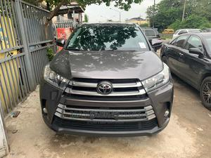 Toyota Highlander 2017 Gray   Cars for sale in Lagos State, Surulere