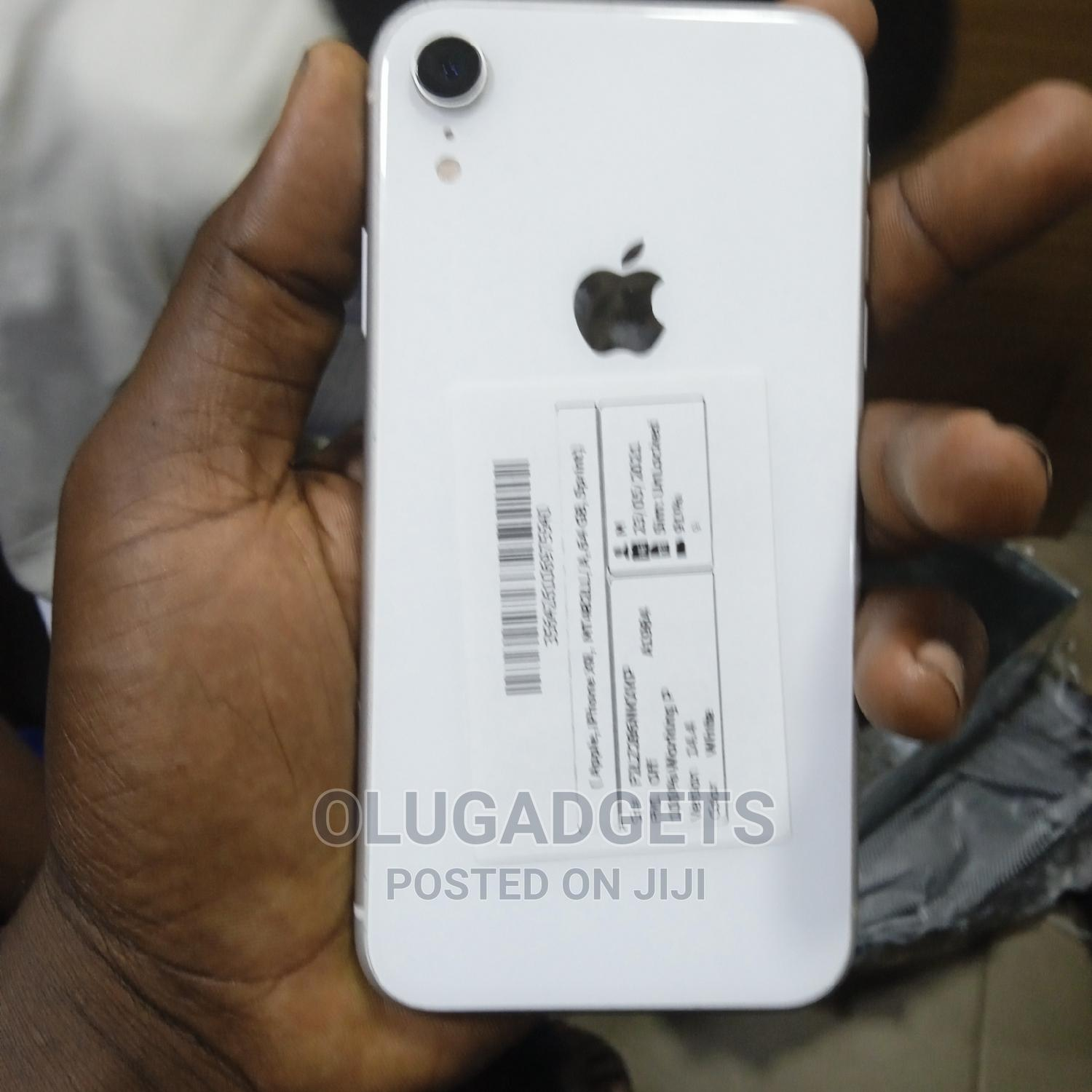 Archive: Apple iPhone XR 64 GB White