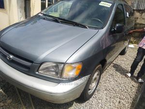 Toyota Sienna 2002 XLE Gray | Cars for sale in Abuja (FCT) State, Garki 2