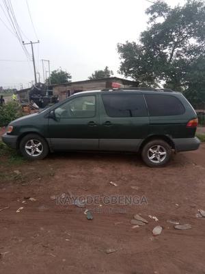 Toyota Sienna 1998 LE 3dr Green | Cars for sale in Ogun State, Sagamu