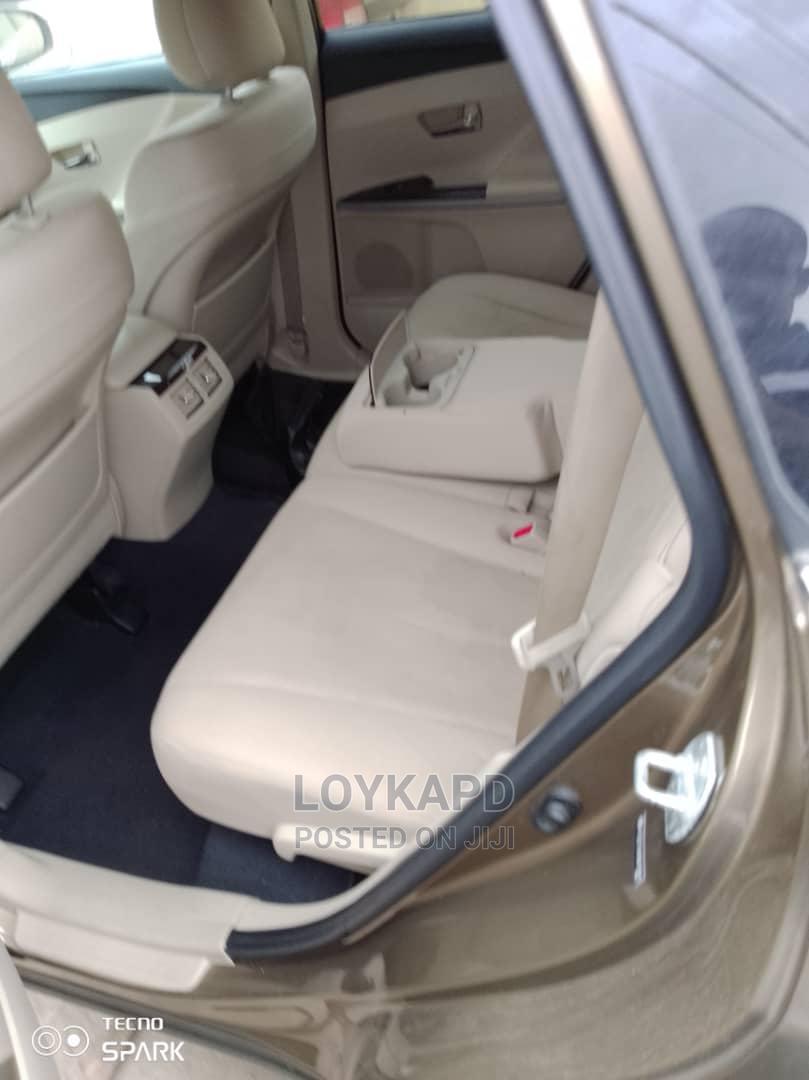 Archive: Toyota Venza 2010 Brown