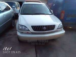 Lexus RX 2001 300 4WD White   Cars for sale in Lagos State, Ikotun/Igando