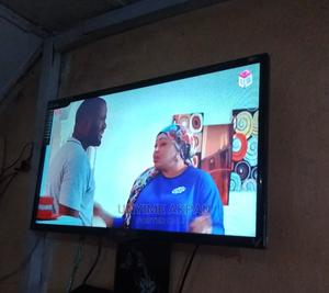 LG 32 Inch TV for Sale With Remote   TV & DVD Equipment for sale in Akwa Ibom State, Uyo
