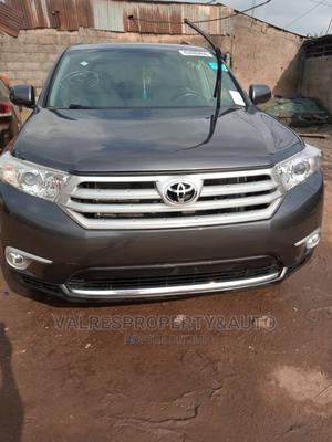 Toyota Highlander 2013 Limited 3.5L 2WD Gray | Cars for sale in Lagos State, Isolo