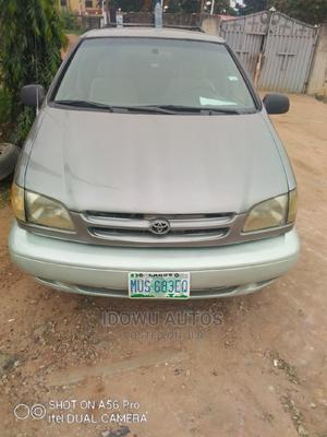 Toyota Sienna 2000 LE & 1 hatch Gold   Cars for sale in Lagos State, Ejigbo