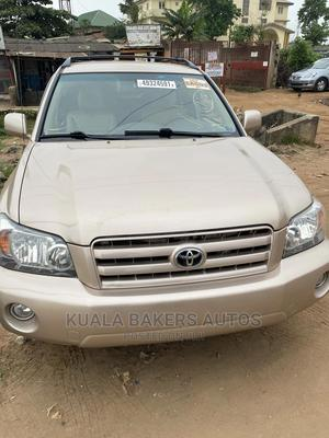 Toyota Highlander 2004 Gold   Cars for sale in Lagos State, Agege