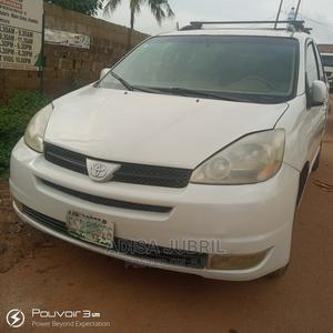 Toyota Sienna 2005 White | Cars for sale in Oyo State, Ibadan