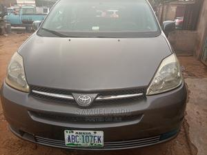 Toyota Sienna 2004 XLE FWD (3.3L V6 5A) Gray | Cars for sale in Kaduna State, Chikun