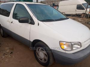 Toyota Sienna 1999 CE White | Cars for sale in Lagos State, Ejigbo