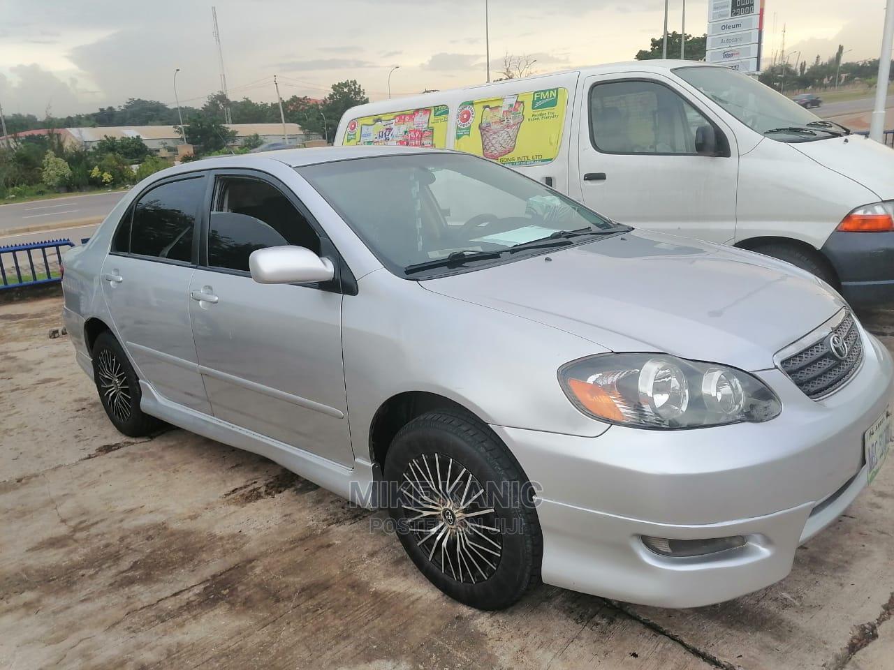 Archive: Toyota Corolla 2005 Silver
