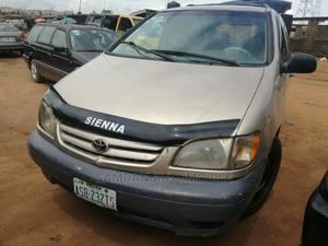 Toyota Sienna 2001 Gold   Cars for sale in Lagos State, Alimosho
