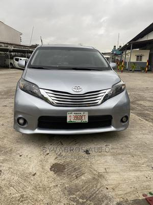 Toyota Sienna 2011 SE 8 Passenger Silver | Cars for sale in Lagos State, Ajah