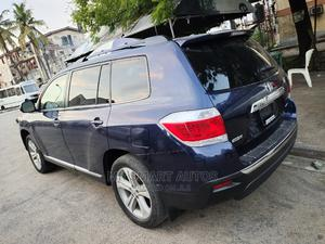 Toyota Highlander 2013 SE 3.5L 4WD Green | Cars for sale in Lagos State, Amuwo-Odofin