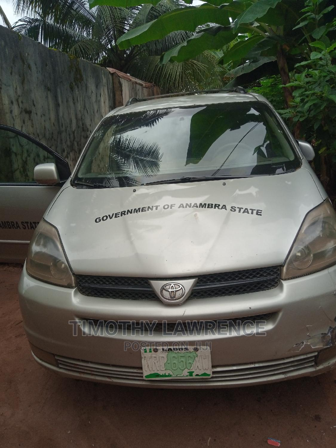 Toyota Sienna 2005 XLE Silver   Cars for sale in Ikeja, Lagos State, Nigeria