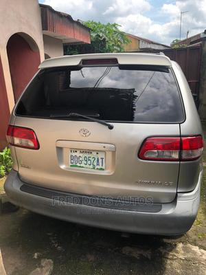 Toyota Sienna 2002 LE Gray | Cars for sale in Abia State, Umuahia
