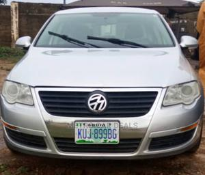 Volkswagen Passat 2010 2.0 Sedan Silver | Cars for sale in Abuja (FCT) State, Kaura