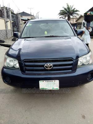 Toyota Highlander 2004 Base FWD Blue   Cars for sale in Lagos State, Surulere