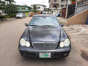 Mercedes-Benz C240 2006 Black | Cars for sale in Lagos State, Isolo