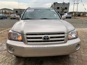 Toyota Highlander 2006 Gold | Cars for sale in Abuja (FCT) State, Gudu