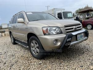 Toyota Highlander 2005 Gold   Cars for sale in Abuja (FCT) State, Gwarinpa