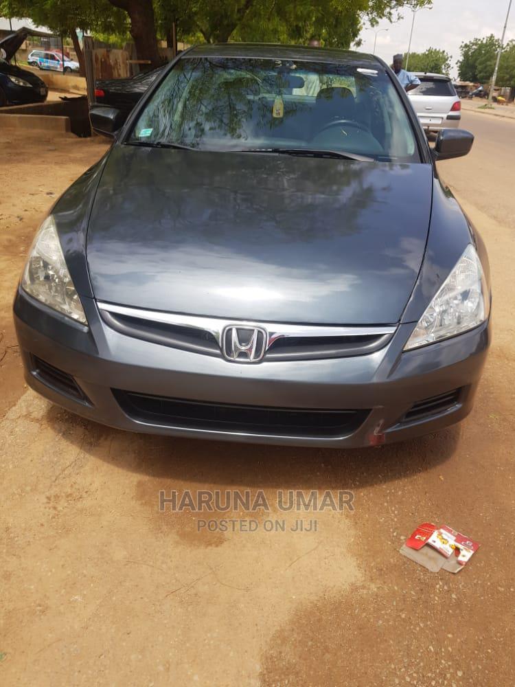 Archive: Honda Accord 2006 2.4 Executive Gray