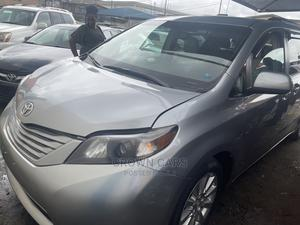 Toyota Sienna 2012 Silver | Cars for sale in Lagos State, Ogba