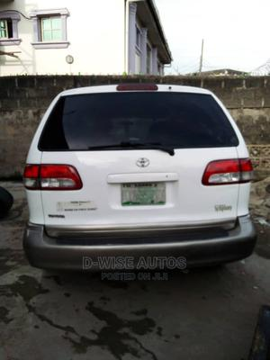 Toyota Sienna 2003 CE Off White   Cars for sale in Lagos State, Surulere
