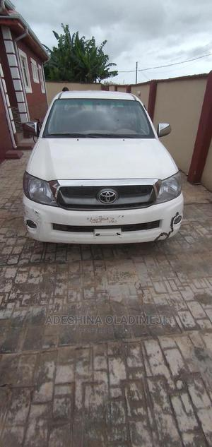 Toyota Hilux 2007 2.0 VVT-i SRX White | Cars for sale in Lagos State, Ikotun/Igando