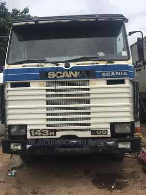 10 Tyres V8 Engine. Long Chassis | Trucks & Trailers for sale in Lagos State, Abule Egba