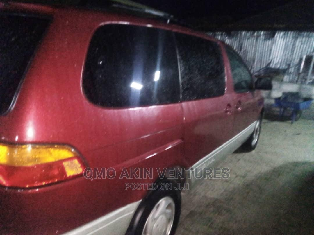 Toyota Sienna 1999 Red | Cars for sale in Ajah, Lagos State, Nigeria