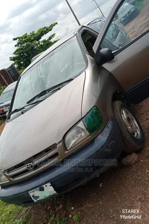 Toyota Sienna 2000 LE & 1 Hatch Brown | Cars for sale in Oyo State, Ibadan