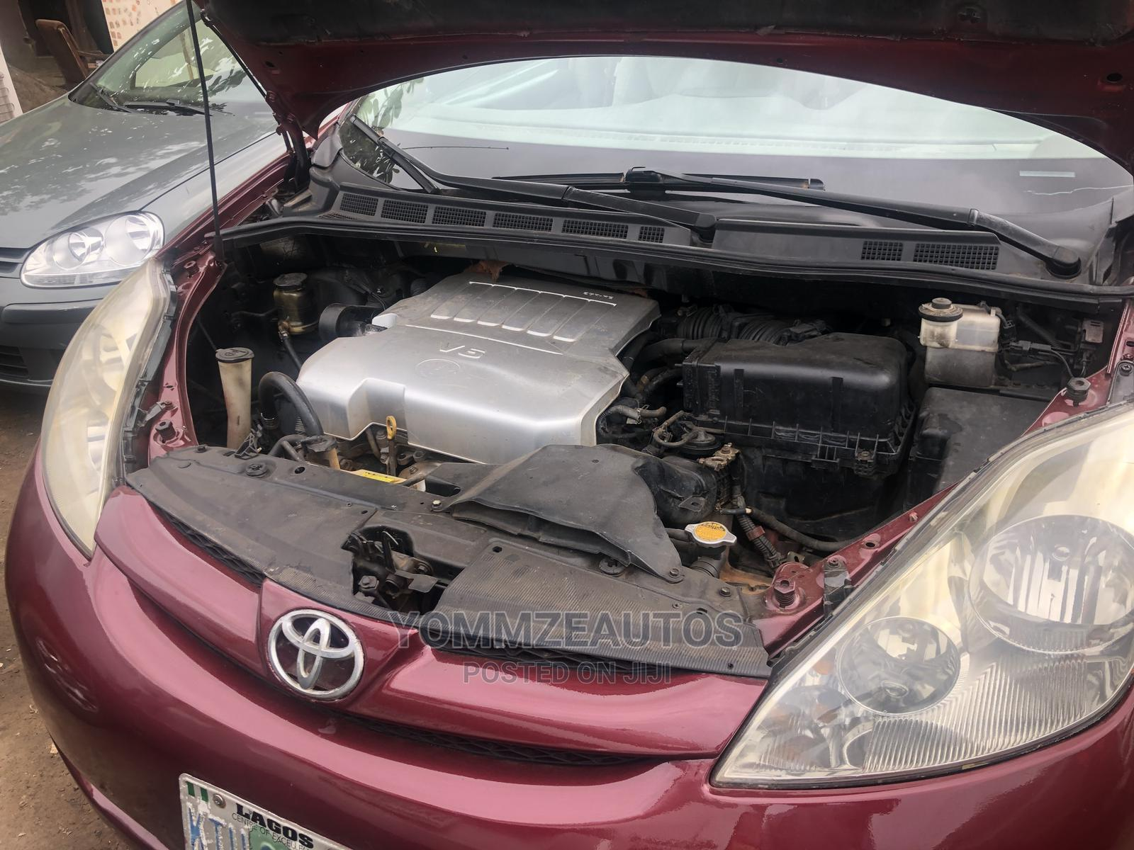 Toyota Sienna 2008 Red | Cars for sale in Ifako-Ijaiye, Lagos State, Nigeria