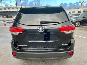 Toyota Highlander 2017 Black | Cars for sale in Lagos State, Surulere