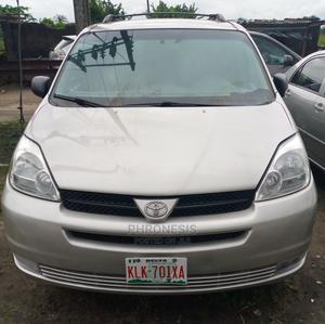 Toyota Sienna 2004 LE AWD (3.3L V6 5A) Silver   Cars for sale in Delta State, Warri